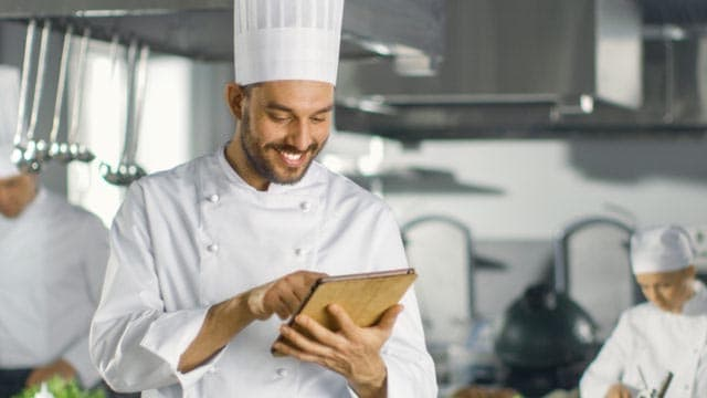 how to manage restaurant kitchen inventory